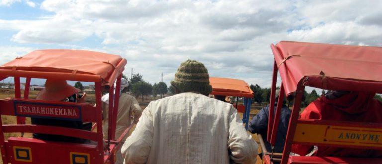 Article : Le pousse-pousse ressuscite dans les banlieues de Tana