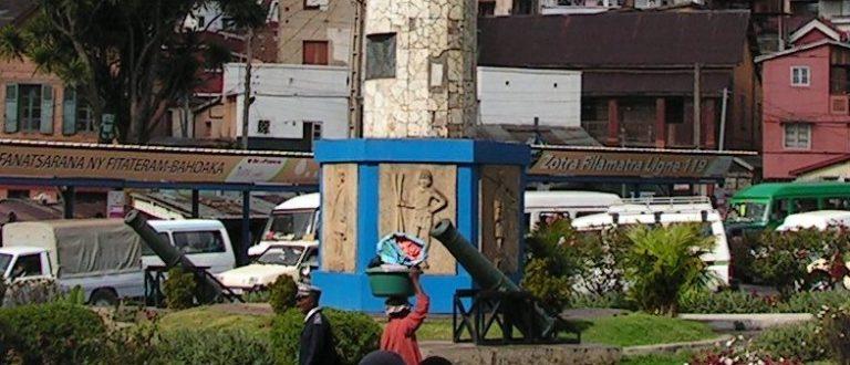Article : A Ambohijatovo, Place de la Démocratie, l'alternance est de rigueur